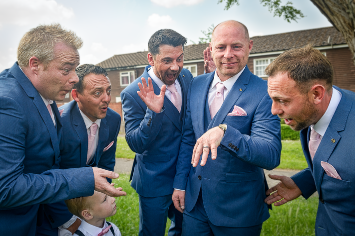Let me see your hand - the groomsmen before the big wedding day, Marlow, England 2017