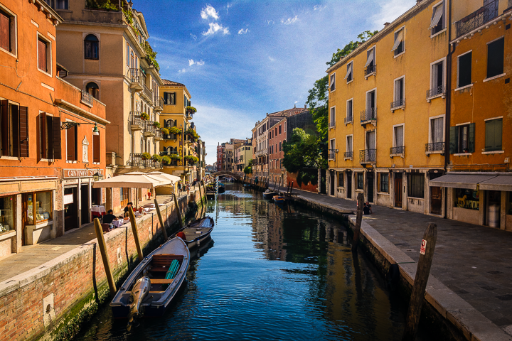 The Water of Venice - The beautiful canals on my travels through Venice, Italy 2016
